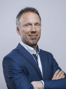 PETER CZERNECKI
